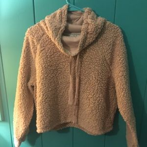 Soft comfy polyester cowl neck crop!